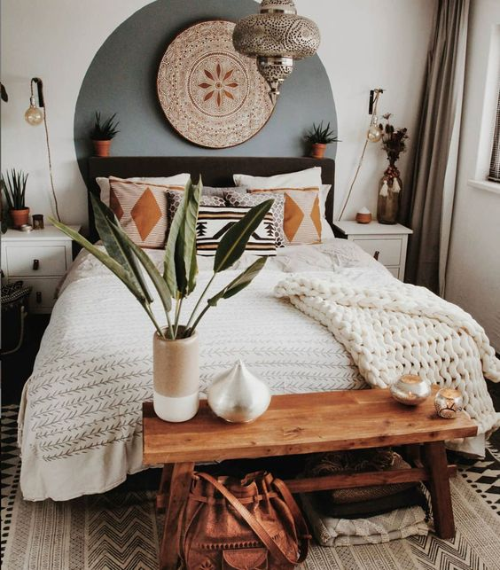 If you love the look of a boho bedroom like this one by @tatjanas_world_, check out a bohemian bedroom decor shopping guide on Of Houses and Trees - featuring eco-conscious items from ethical marketplace Made Trade.