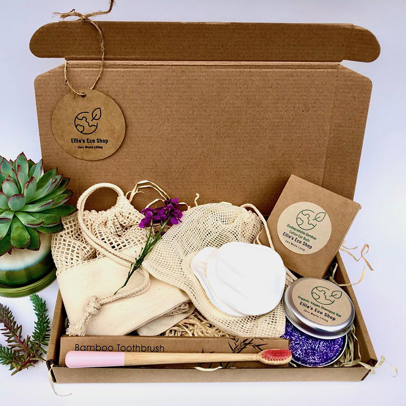 Plastic-free and made by awesome, earth-friendly individuals and brands, you can find zero waste gifts for every person on your shopping list. Like this zero waste gift box for the person in your life who just loves thoughtful gifts.